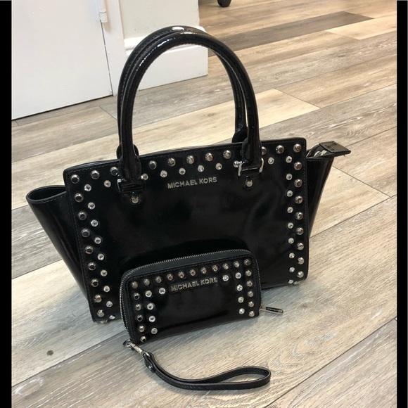 COPY - Fabulous Michael Kors patent bag and walle…
